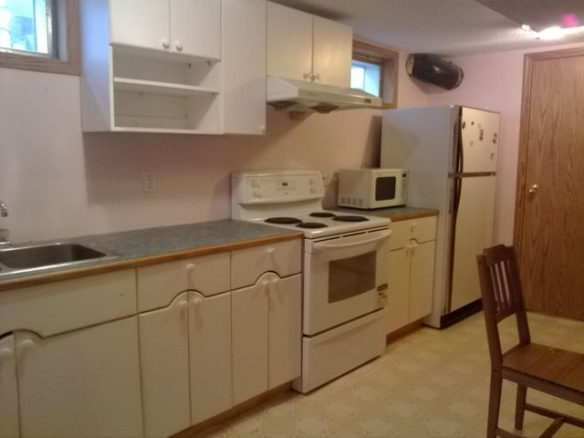 Beautiful 1 bedroom plus den home by University with separate entrance!