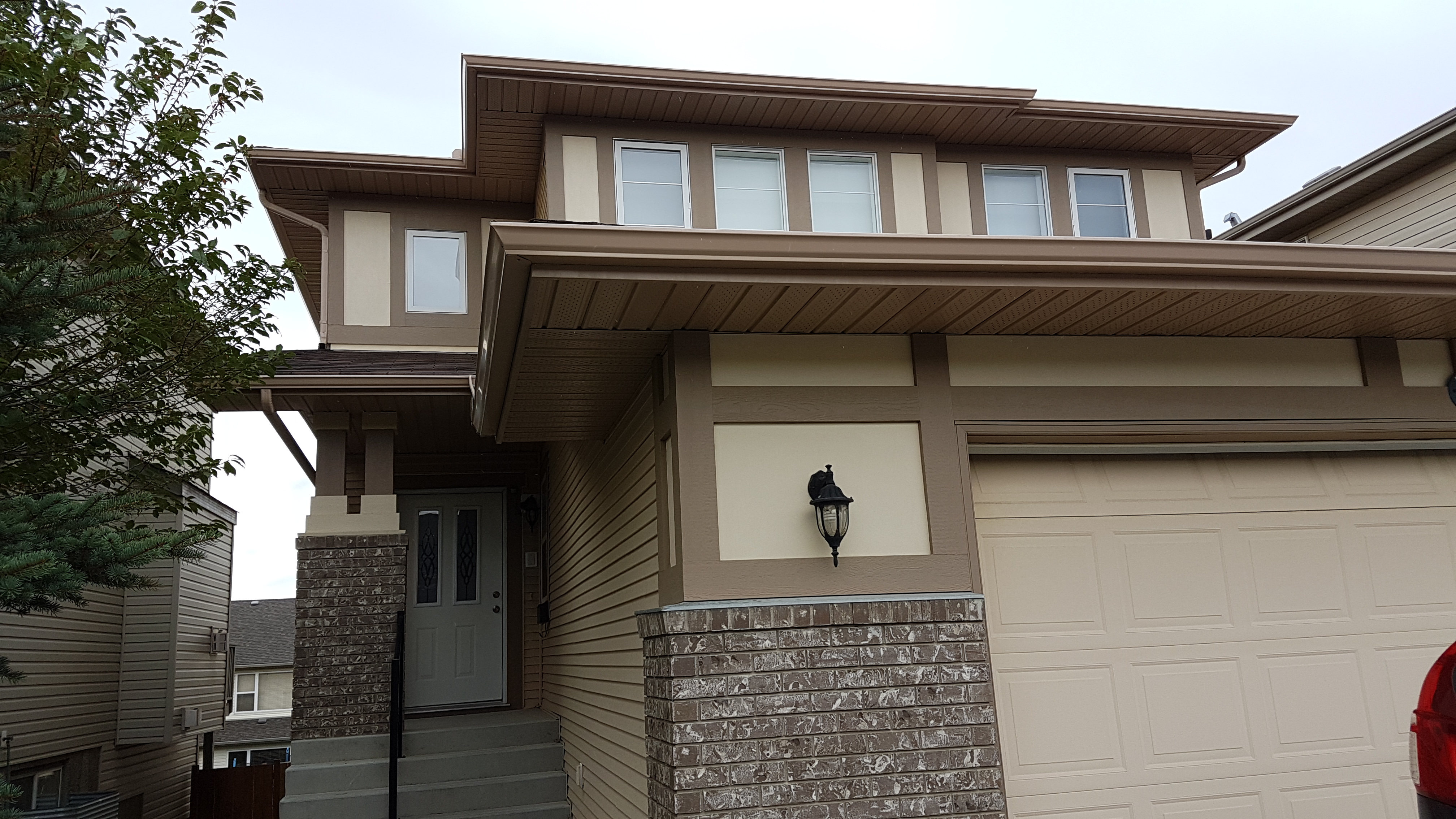 Well maintained 3 bdrm, walkout basement,1900 sqft Home in Panorama Hills!