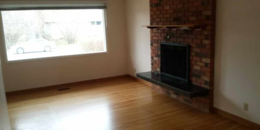 Spacious 5 bdrms Bungalow with double garage located in Westgate!