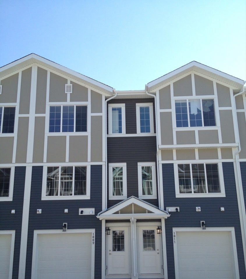 3 storey home located in the beautiful Evanston!