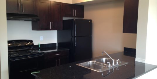 FEW YEARS OLD 2 BEDROOMS APARTMENT ON3RD FLOOR IN KINCORA !