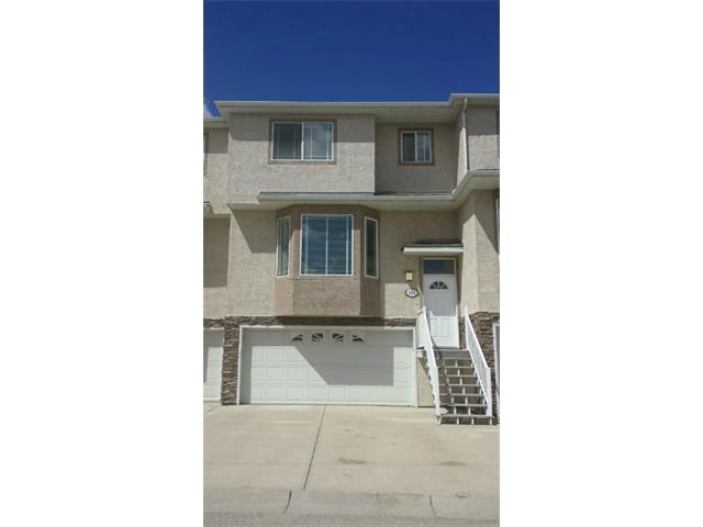 Over 1600 Sqft ensuited townhouse for rent in Country Hills!