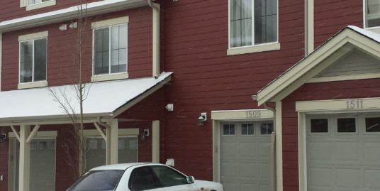 Great Condition 3 bdrms double garage Townhouse in Panorama Hills!