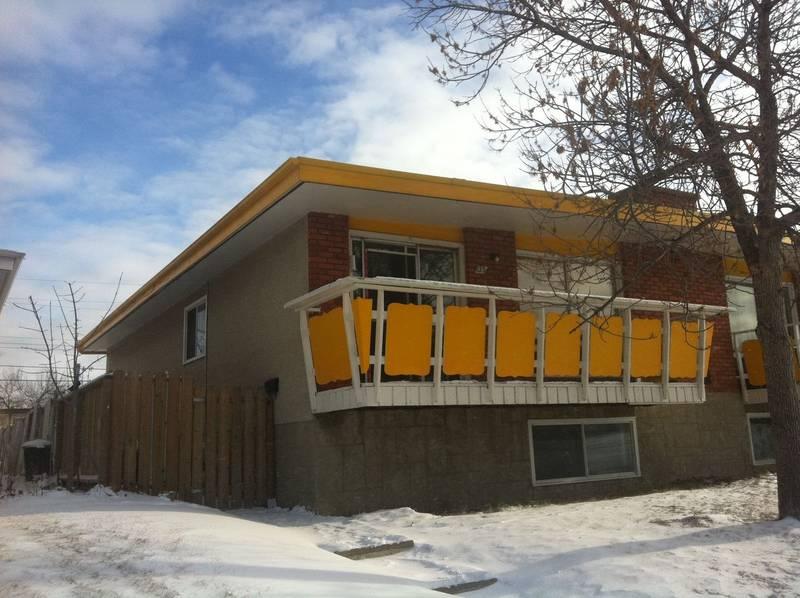 Newly renovated spacious bi-level home in Huntington!