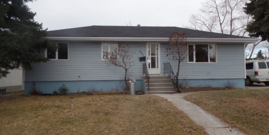 Newly renovated 6 bdrms Bungalow in Thorncliffe!!