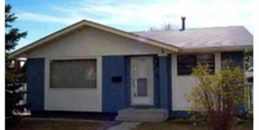 Spacious Bunglaow with double detached garage in Ranchlands