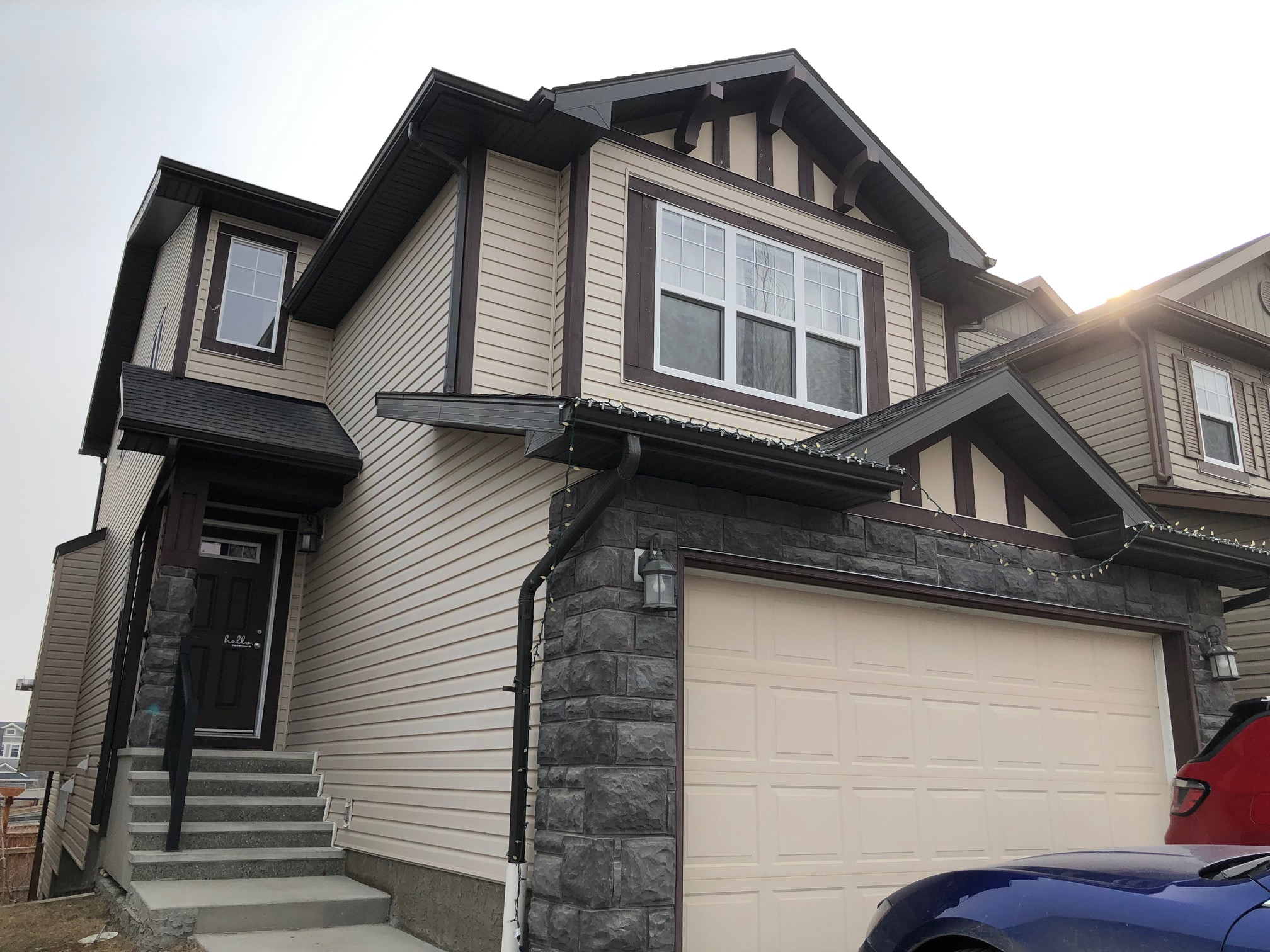 lovely 3 bedroom and 2.5 bath 2 storey home with a WALKOUT basement in Kincora!