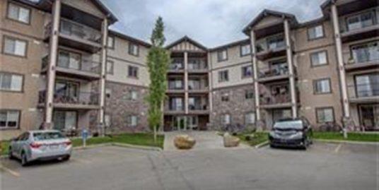 Almost 1000 sqft corner suite 2 bdrms 2 bath apartment in Panorama!