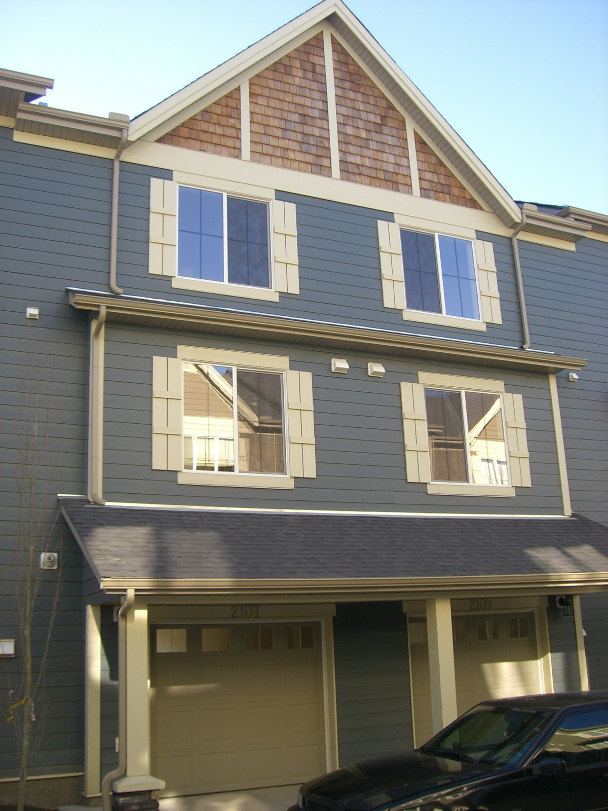 Welcome to this beautiful 2 bedroom db garage town home in Panorama!