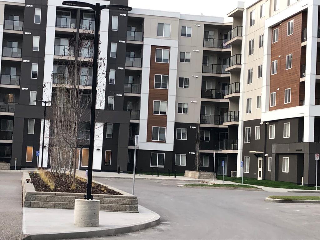 Brand New! 2 bdrms, 2 bath, 3rd floor apartment in Skyview!