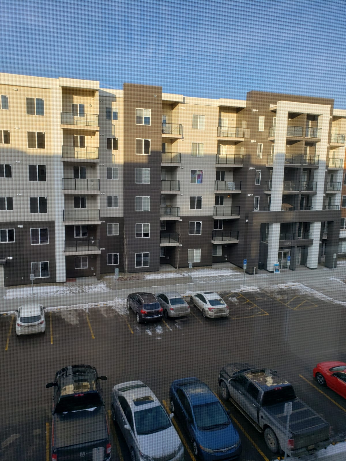 LESS THEN 1 YR OLD! 2 BDRMS, 2 BATH, 3RD FLOOR APARTMENT IN SKYVIEW!