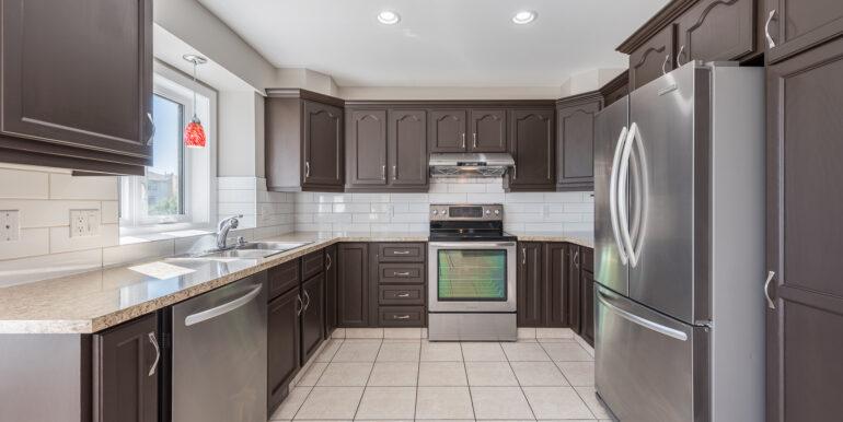 14 20083023-Kitchen
