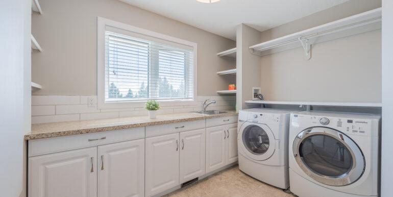 26 20083050-Laundry Room